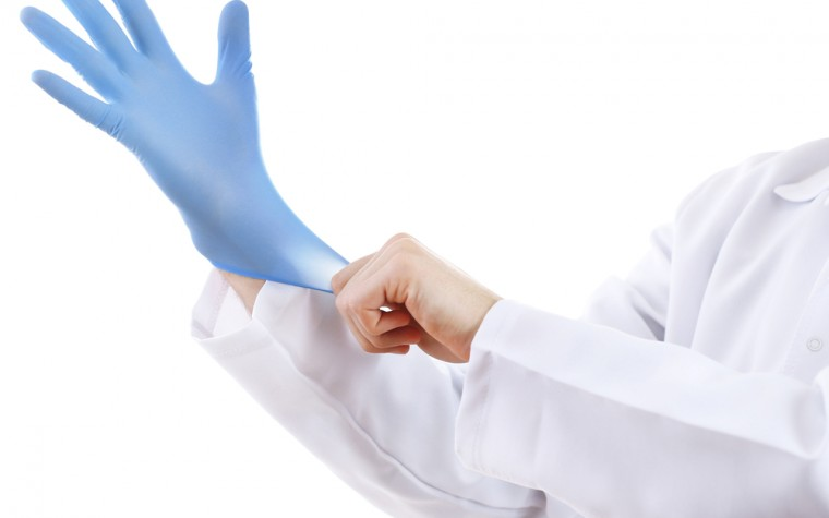 gloves and bacteria transmission
